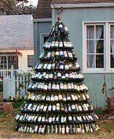 Новогодняя ёлка из бутылок